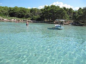 Plaża zatoczka Perna